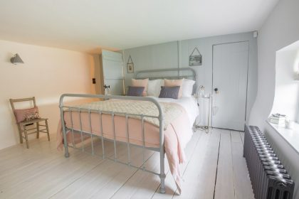 New Forest Luxury Cottage - Bedroom 2