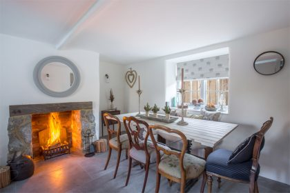 New Forest Luxury Cottage - Dining Room